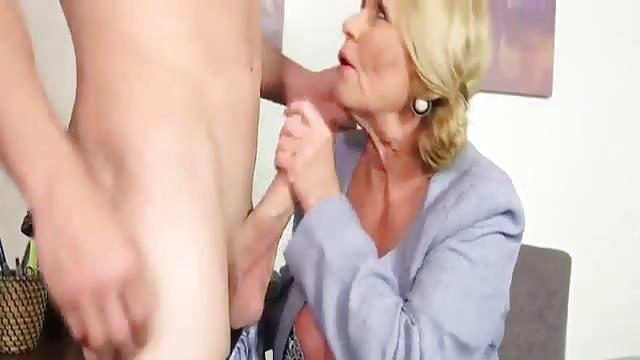 Geile Mutter verführen ihren Sohn